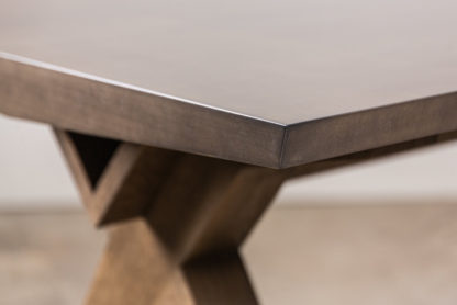 table MAXIME OLD detail plateau